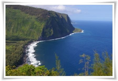 Famous and oft photographed Waipio Valley from the lookout